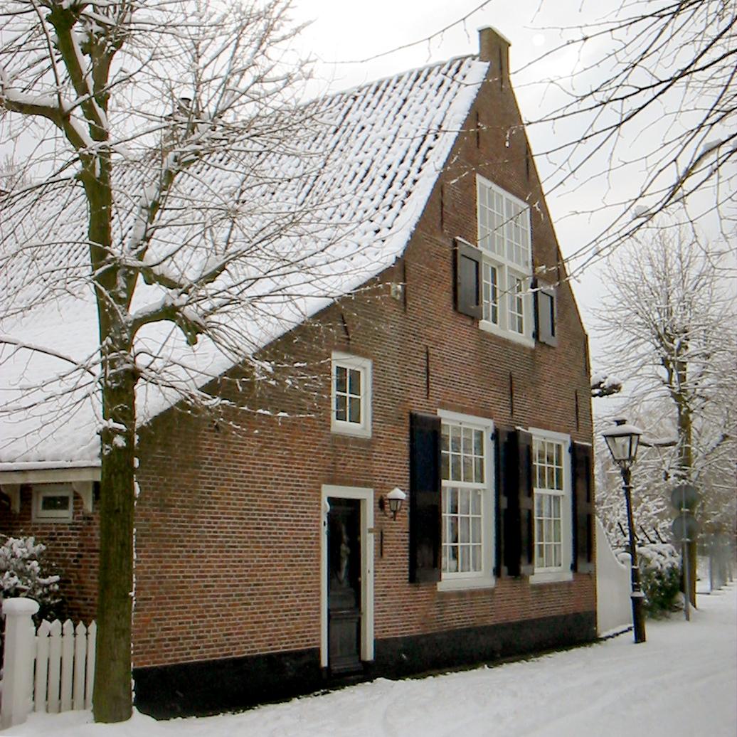 https://historischeverenigingoegstgeest.nl/images/publicaties/11._Het_huis_Toorenvelt_.jpg