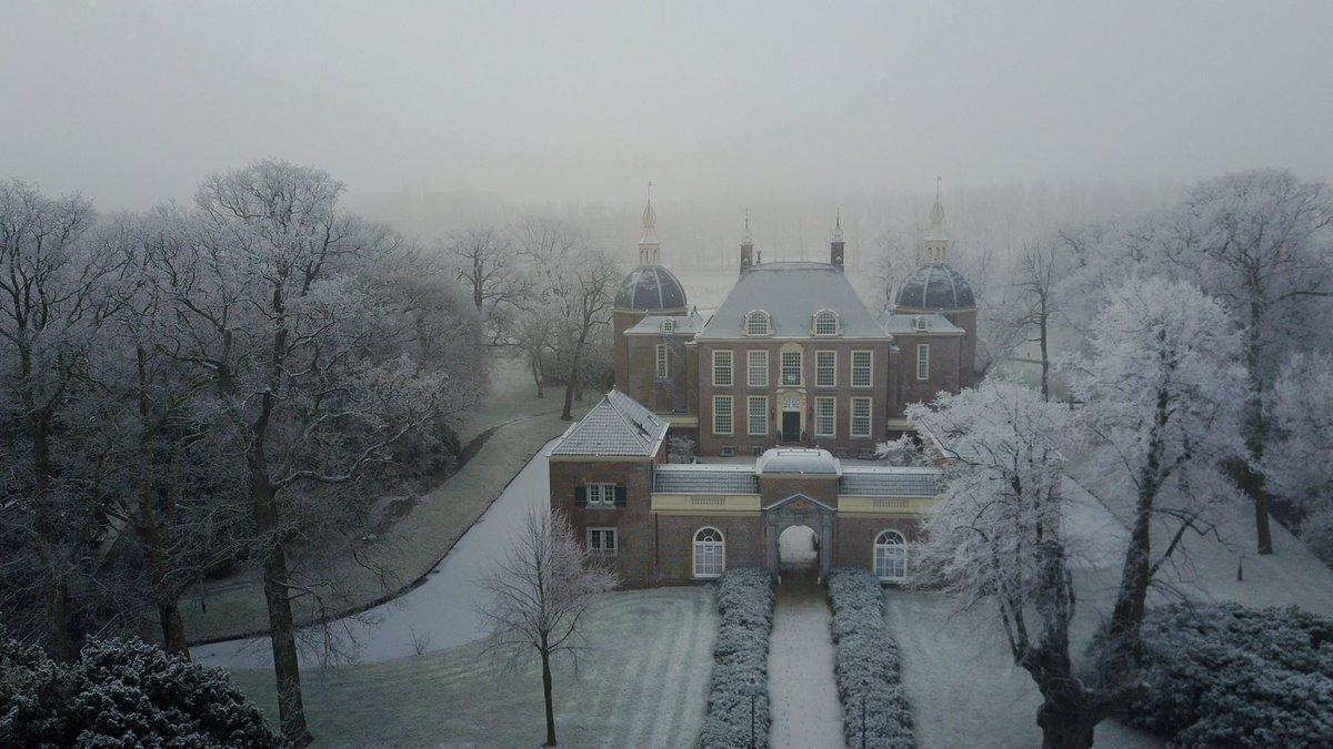 https://historischeverenigingoegstgeest.nl/images/publicaties/27_winterplaatje_kopie_2.jpeg