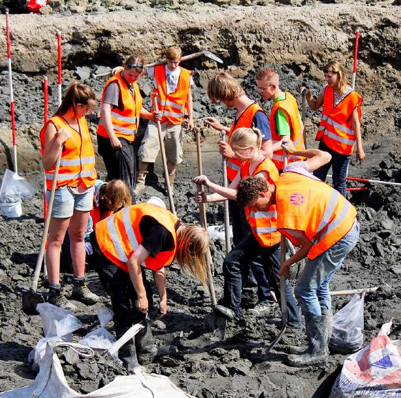 https://historischeverenigingoegstgeest.nl/images/publicaties/Evaluatierapport_Opgravingen_RUL.png