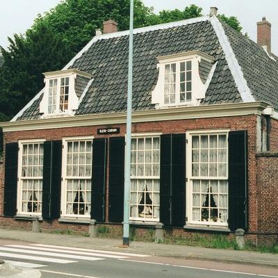 https://historischeverenigingoegstgeest.nl/images/publicaties/Rhijngeesterstrwg_38.41_Klein_Curium_1_kopie_.jpg
