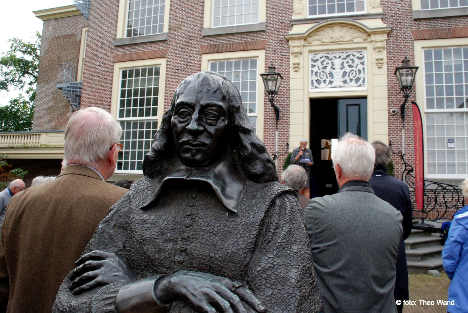 https://historischeverenigingoegstgeest.nl/images/publicaties/opening1.jpg