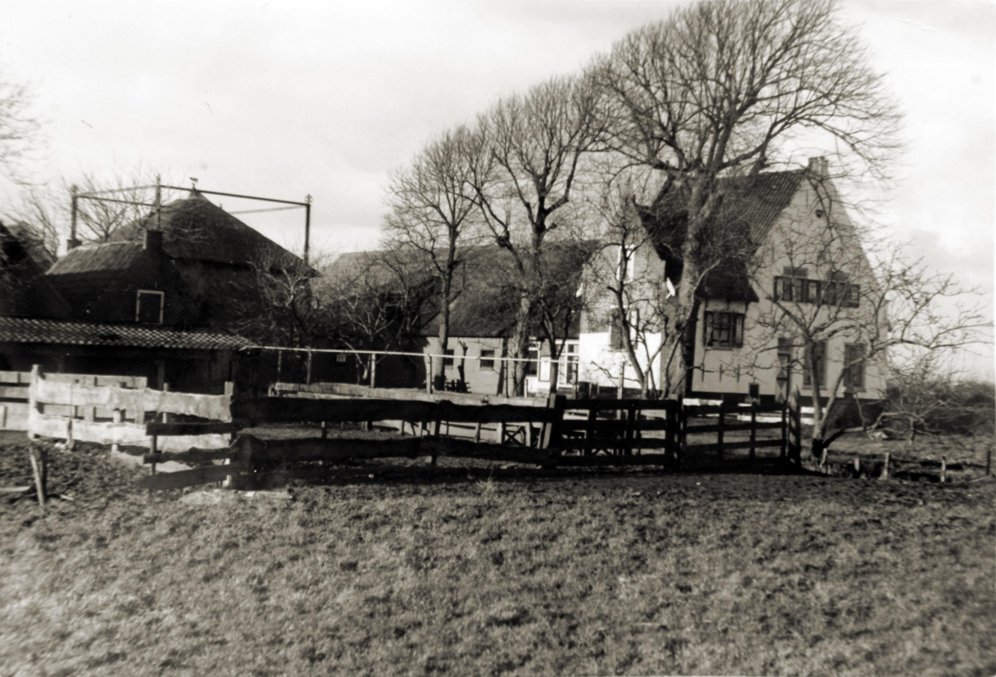 https://historischeverenigingoegstgeest.nl/images/publicaties/voskuil_1964.2.jpg